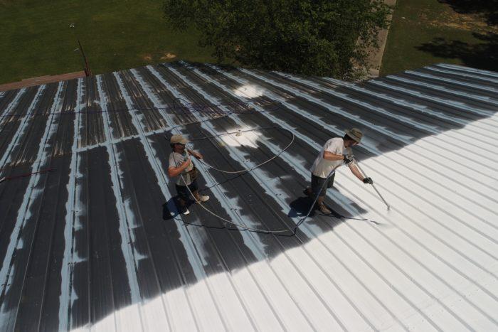 Read more about the article Les avantages et inconvénients de la toiture en bac acier