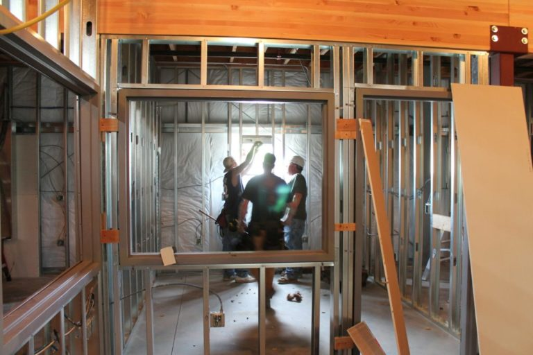 Read more about the article Comment isoler sa toiture par l'intérieur ?